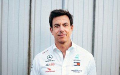 Vince la Ferrari, Mercedes fuori podio