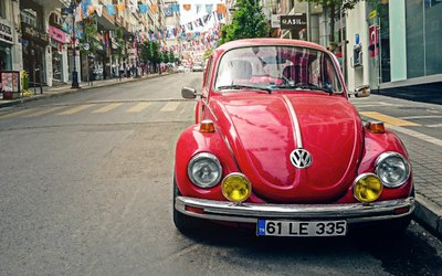 Volkswagen Maggiolino, quasi cent'anni di ...