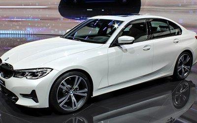 BMW spinge sulle vetture a idrogeno