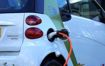 Germania, le colonnine di ricarica elettrica ...